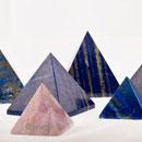 Bergkristall-Lapis-Rosenquarz-Pyramiden-02